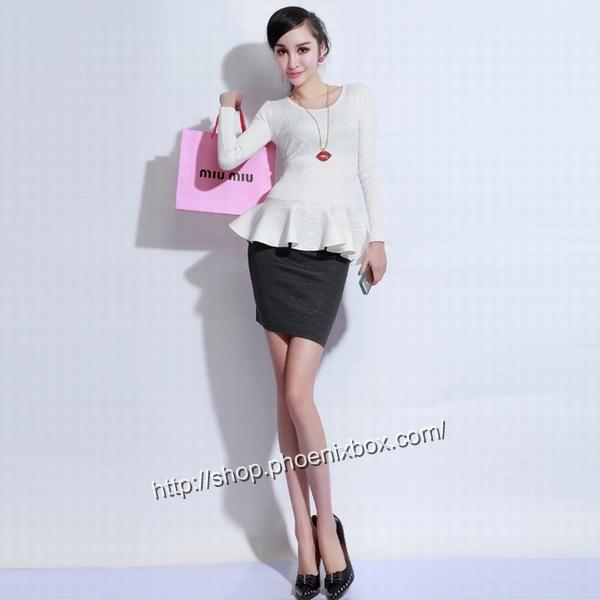 エロ下着の通販商品:タイトスカート・グレーE1112・素人着用写真2