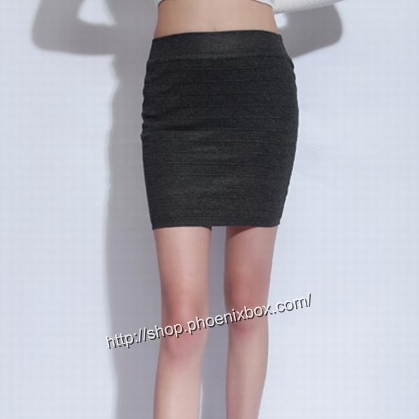 エロ下着の通販商品:タイトスカート・グレーE1112・素人着用写真3