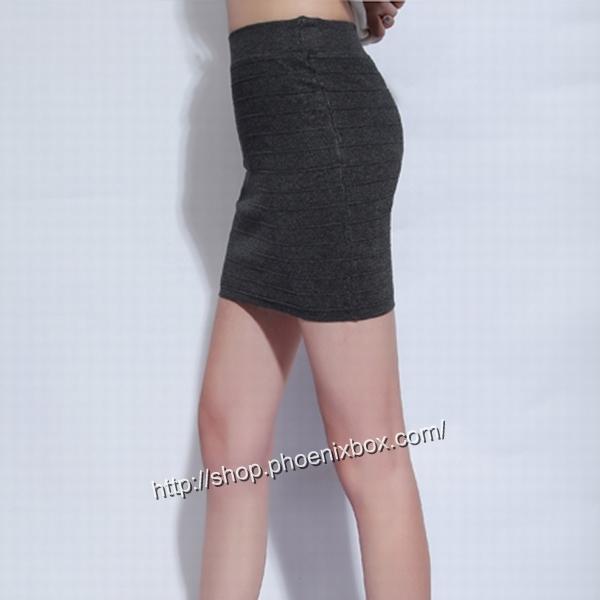 エロ下着の通販商品:タイトスカート・グレーE1112・素人着用写真4