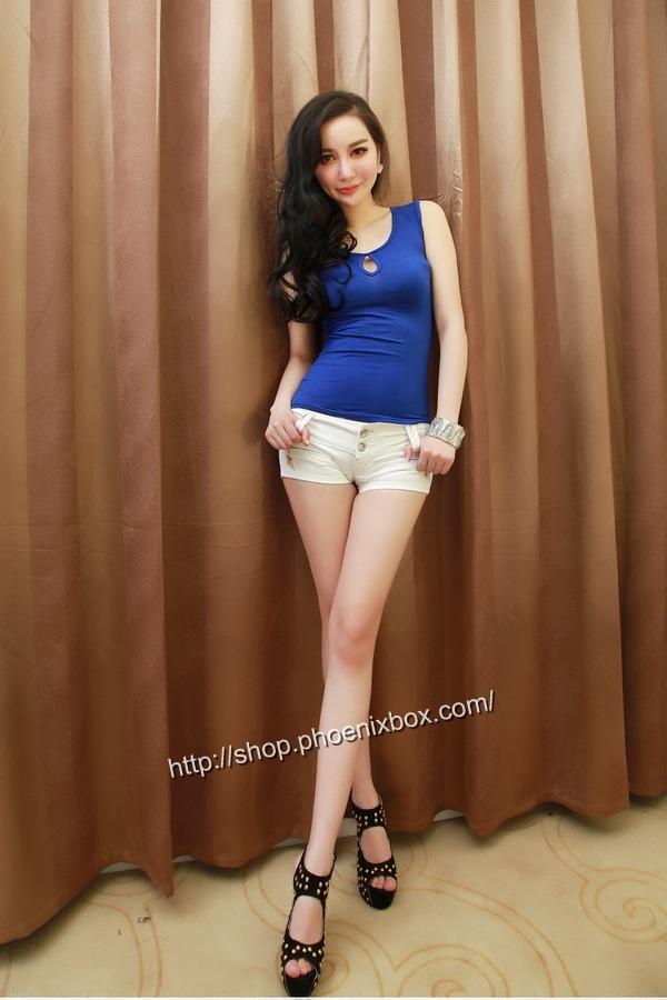 ボディコン通販の商品:ピタピタ細身Tシャツ・ブルーE6613・素人着用写真4