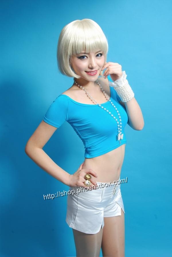 ボディコン通販の商品:ボーダー柄の無地半袖Tシャツ・ブルー90053・素人着用写真1