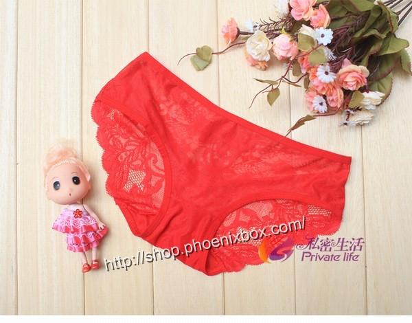 エロ下着の通販商品:バックは蝶のモチーフTショーツM1060・赤・イメージ写真4