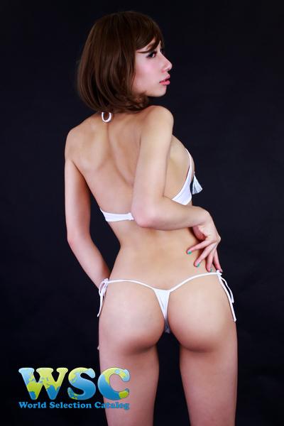 エロ下着の通販商品:ワイヤー付きノーカップブラ&Tバック・白・イメージ写真1
