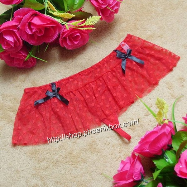 エロ下着の通販商品:フリル付きのメッシュTバック・赤・イメージ写真