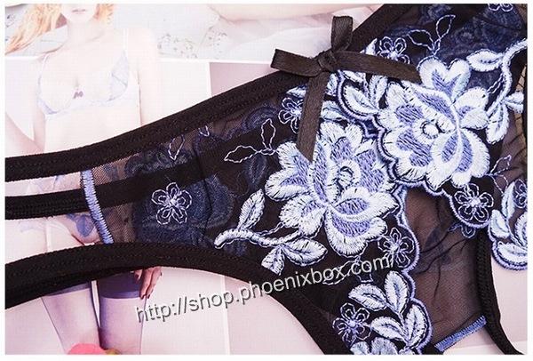 エロ下着の通販商品:花柄レースのオープンクロッチ・黒・イメージ写真6