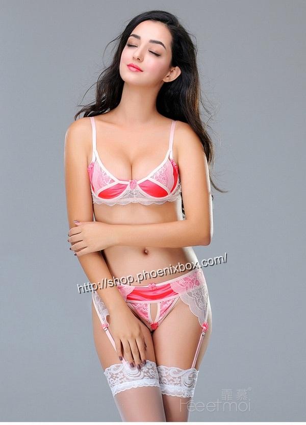 エロ下着の通販商品:ワイヤー付きブラ&オープンクロッチTバック8885・白×ピンク・イメージ写真4